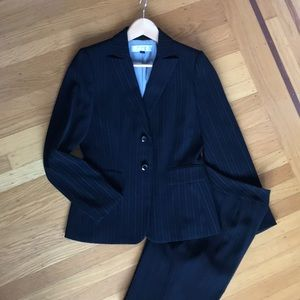 Tahari pinstripe business suit, size 4